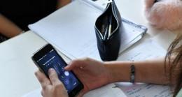 Fransa'daki okullara cep telefonu yasağı