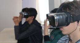 Dersler 'sanal gerçeklik' gözlüğünde