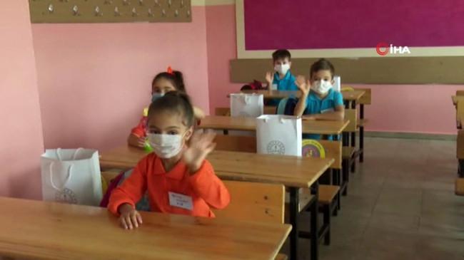 Bakan Yardımcıları yüz yüze eğitime geçişte ikinci aşamanın son hazırlıklarını değerlendirdi