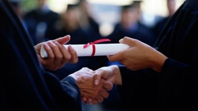 Sahte diplomayla atamaya 306 yıl!