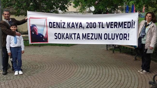 Okul önünde mezuniyet protestosu