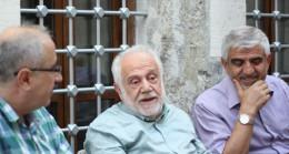 'Gençler Türkçe bilmiyor'