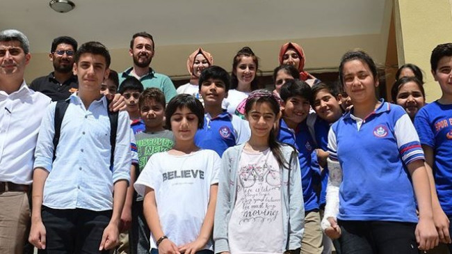Bakan Selçuk'un ıslığına öğrencilerden klipli karşılık